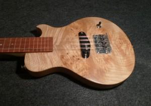 8 string electric  tenor ukulele